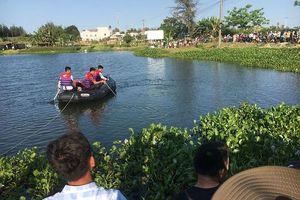 Tá hỏa phát hiện thi thể nam thanh niên nổi trên mặt hồ