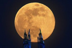 Ngày 7/5: Cơ hội ngắm siêu trăng cuối cùng trong năm 2020