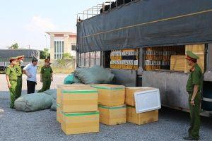 Bắt giữ xe tải chở hơn 700 kg thịt chó mèo bốc mùi hôi thối