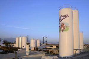 Nhà máy Vinamilk tại Mỹ hỗ trợ 23.000 lít sữa cho người dân khó khăn vì Covid