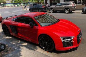Siêu xe Audi R8 V10 Plus đỏ rực dưới nắng Sài Gòn