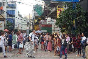 Đổ xô đón khách du lịch Trung Quốc vào Việt Nam: Nên không?