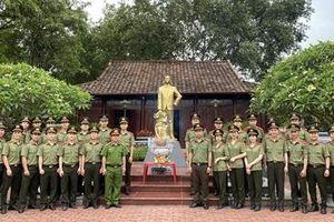 Tuổi trẻ Học viện Chính trị CAND kỉ niệm 130 năm ngày sinh Chủ tịch Hồ Chí Minh