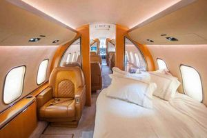 Ngắm 'cung điện bay' trị giá 1.900 tỷ của ông chủ Chelsea