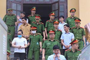 Tuyên án 15 bị cáo trong vụ gian lận điểm ở Hòa Bình