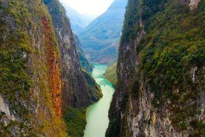 Cảnh đẹp khác lạ của hẻm vực cao nhất Đông Nam Á ở Hà Giang