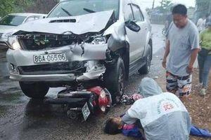 'Xế hộp' tông liên hoàn 3 xe máy khiến 1 người chết, 5 người bị thương