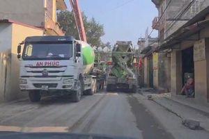 Xe chở vật liệu xây dựng tàn phá đường làng: Lãnh đạo huyện ở Bắc Ninh nói gì?