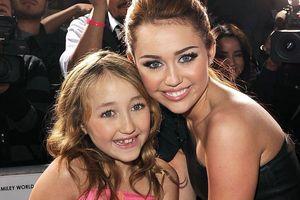 Noah Cyrus - nữ ca sĩ 10 năm chịu tổn thương vì là em gái Miley