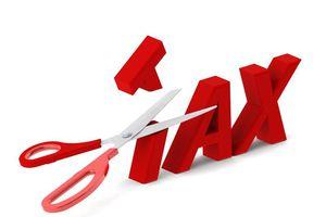 Bộ Tài chính giảm 50% phí ở một số lĩnh vực