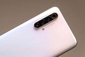 Smartphone chip S855 Plus, 4 camera sau siêu zoom, RAM 12 GB, giá 12,66 triệu