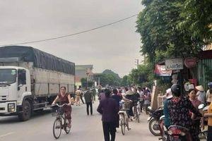 Ninh Bình: Tự đi xe đạp tới trường, bé lớp 3 tử vong do va chạm xe tải