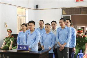Y án sơ thẩm đối với 8 bị cáo tham gia ẩu đả làm 8 người thương vong