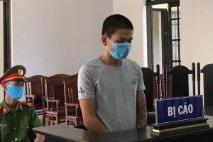 Đánh nữ nhân viên chốt kiểm dịch COVID-19, nam thanh niên nhận 9 tháng tù