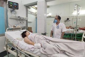 TP.HCM: Một phụ nữ bị máy xay thịt nghiền nát bàn tay