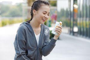 Giải nhiệt mùa hè với nước dừa nguyên chất đóng hộp thanh mát