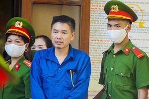 Gian lận thi cử Sơn La: 2 bị cáo được trả tự do tại tòa