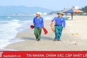 Chuyện những người cứu hộ ở bãi biển đẹp nhất Hà Tĩnh