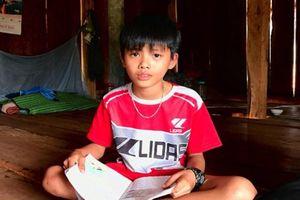 Những học sinh vùng biên 'níu chữ' với ước mơ giúp bản làng thoát nghèo