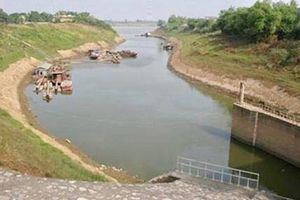 Hà Nội công bố tình trạng khẩn cấp sạt lở sông Bùi, sông Đáy tại huyện Chương Mỹ