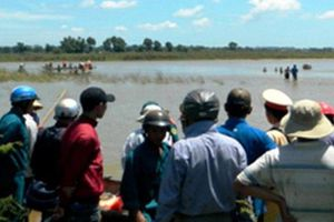 Thương tâm: Hai người gặp nạn tử vong khi đang vớt bèo trên hồ