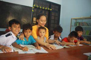 Quảng Ngãi: Đưa trẻ em mồ côi vùng núi về với ngôi nhà ấm áp