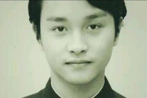 Cư dân mạng Trung bất ngờ chia sẻ ảnh thẻ hiếm có của Trương Quốc Vinh