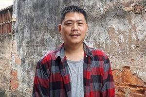 Họa sĩ Nguyễn Quốc Thắng người nặng lòng với làng cổ