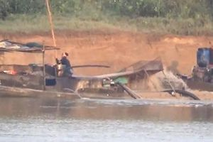 Siết chặt hoạt động khai thác cát trên sông Chu sau khi Báo An ninh Thủ đô nêu