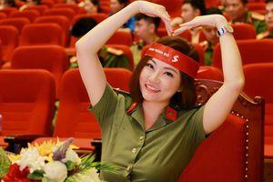 Sao Mai 2008, Thiếu úy Trần Thu Hường làm đại sứ chiến dịch 'Hành trình Đỏ'