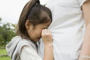 Con gái 11 tuổi đòi ngủ với bố, lý do khiến vợ chồng ly hôn