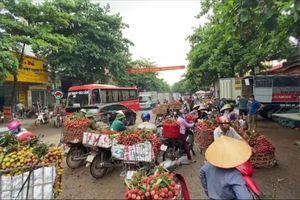 Tái diễn cảnh tắc đường trong mùa vải thiều Lục Ngạn