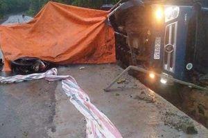 Xe tải tông công nhân đang thi công đường, 1 người chết, 1 người bị thương nặng
