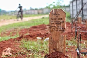 Lý giải nạn cướp thi thể bệnh nhân Covid-19 ở Indonesia