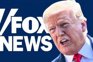 Tổng thống Trump nổi cáu với Fox News, so sánh với CNN