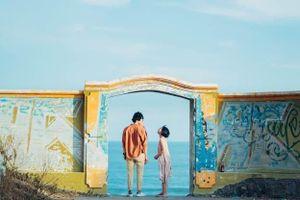 Bộ ảnh tình yêu 'phiêu' như tranh vẽ của cặp đôi 9X