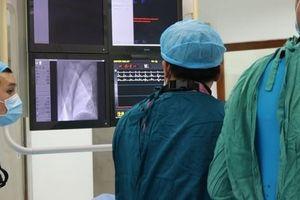 Cứu sống bệnh nhân nhồi máu cơ tim biến chứng sốc, rối loạn nhịp một cách kỳ diệu