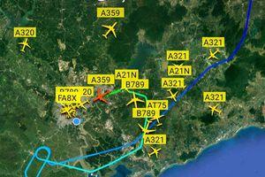 Máy bay 'xếp hàng trên trời' chờ hạ cánh xuống Tân Sơn Nhất