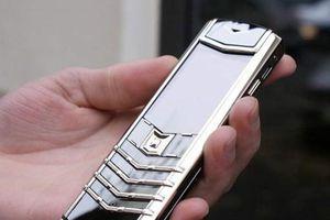 Ly kỳ vụ án trộm điện thoại Vertu… 450 triệu