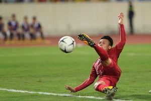Sau 7 tháng, vẫn chờ Quang Hải hết 'tịt ngòi'