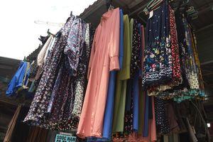 Bát nháo thị trường áo chống nắng giá rẻ... người mua coi chừng 'ngậm quả đắng'