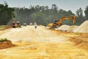 'Lái' diện tích đường vào đất GPMB của dân, nhiều cán bộ bị kỷ luật