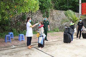 Đón gần 1.400 lưu học sinh Lào trở lại học tập sau dịch Covid-19