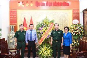 Các đồng chí lãnh đạo Đảng, Nhà nước, cơ quan, đơn vị trong và ngoài quân đội thăm và chúc mừng Báo Quân đội nhân dân