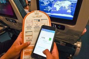Hành khách thỏa sức lướt Facebook, nhắn tin trên máy bay Vietnam Airlines ở độ cao 10.000m