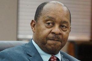 Bộ trưởng Zimbabwe bị bắt, nghi ăn chặn tiền mua thiết bị y tế