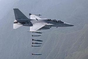 Hàn Quốc nâng cấp máy bay tấn công hạng nhẹ nội địa FA-50 trong 'tình hình nóng'