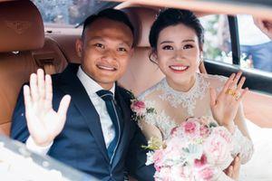 Các cô dâu kín tiếng của cầu thủ, tới ngày cưới mới lộ diện