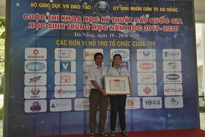 Em Phạm Thị Thùy Trang, HS Trường THPT Trần Văn Quan đạt giải Ba