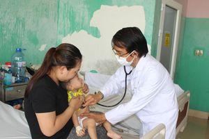 Trẻ dễ bị viêm phổi khi thời tiết thay đổi